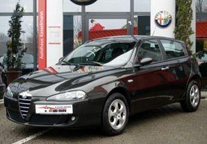 Alfa Romeo 147 2005 photo image