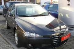 Alfa Romeo 147 hatchback photo image 6