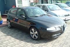 Alfa Romeo 147 hatchback photo image 2