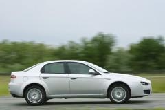 Alfa Romeo 159 sedana foto attēls 13