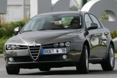 Alfa Romeo 159 sedana foto attēls 16