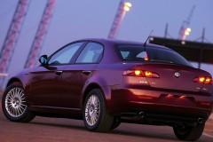 Alfa Romeo 159 sedana foto attēls 10