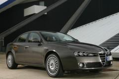 Alfa Romeo 159 sedana foto attēls 8