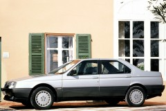 Alfa Romeo 164 sedana foto attēls 4