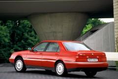 Alfa Romeo 164 sedana foto attēls 1