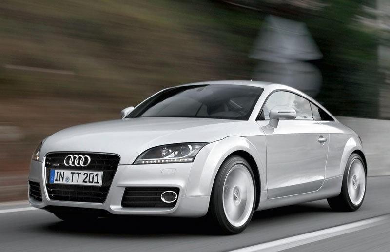 Audi TT 2010 foto attēls