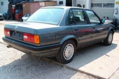 BMW 3 series E30 sedan photo image 12