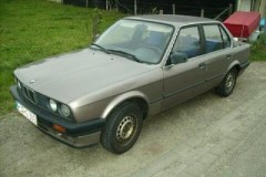 BMW 3 series E30 sedan photo image 11