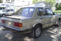 BMW 3 series E30 sedan photo image 8