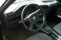 BMW 3 series E30 sedan photo image 6