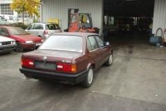 BMW 3 serie E30 sedan foto 3