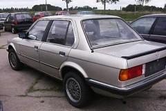 BMW 3 sērijas E30 sedana foto attēls 2