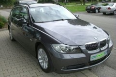 BMW 3 series Touring E91 estate car photo image 18