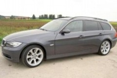 BMW 3 series Touring E91 estate car photo image 16