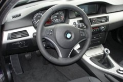 BMW 3 series Touring E91 estate car photo image 2