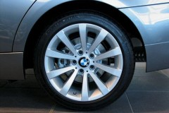BMW 3 series E90 sedan photo image 9