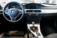 BMW 3 series E90 sedan photo image 11