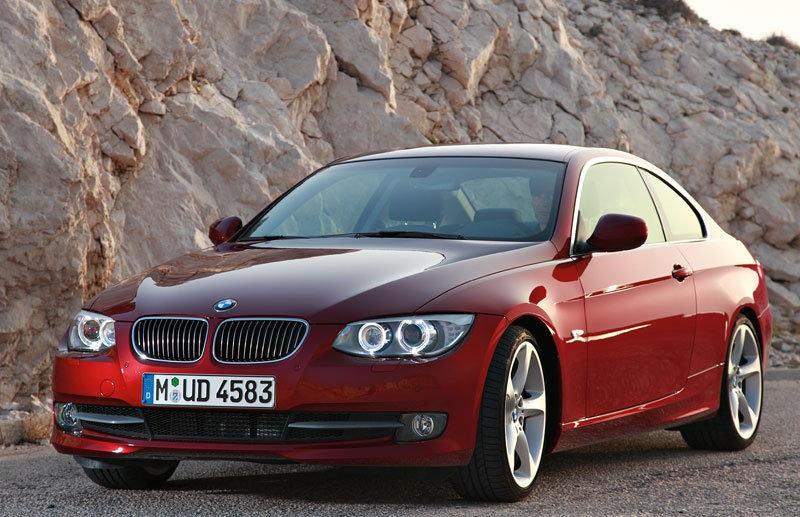 BMW 3 sērija 2010 foto attēls