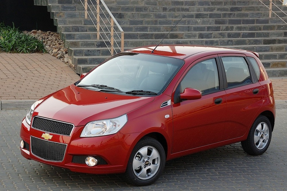 chevrolet aveo hatchback 2008 2011 reviews technical data prices. Black Bedroom Furniture Sets. Home Design Ideas