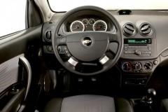 Chevrolet Aveo 3 puerta hatchback foto 2
