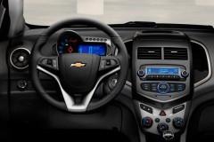 Chevrolet Aveo sedan foto 4