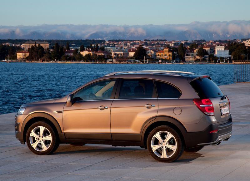 Chevrolet Captiva 2013 - reviews, technical data, prices