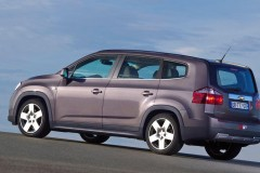 Chevrolet Orlando minivan photo image 9