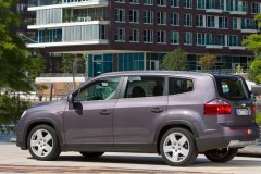Chevrolet Orlando minivan photo image 10