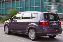 Chevrolet Orlando minivan photo image 3