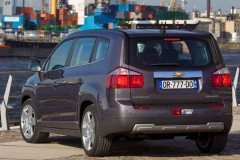 Chevrolet Orlando minivan photo image 12