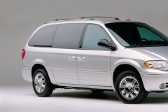 Chrysler Town & Country minivan foto 4