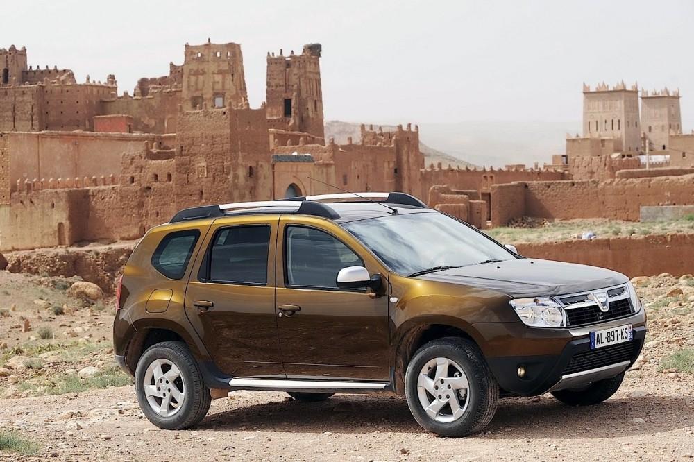 Dacia Duster 2010 foto attēls