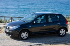 Dacia Sandero hatchback photo image 5