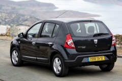 Dacia Sandero hatchback photo image 9