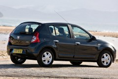 Dacia Sandero hatchback photo image 1