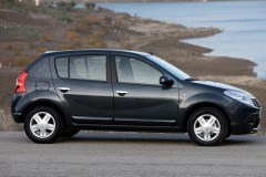 Dacia Sandero hatchback photo image 10