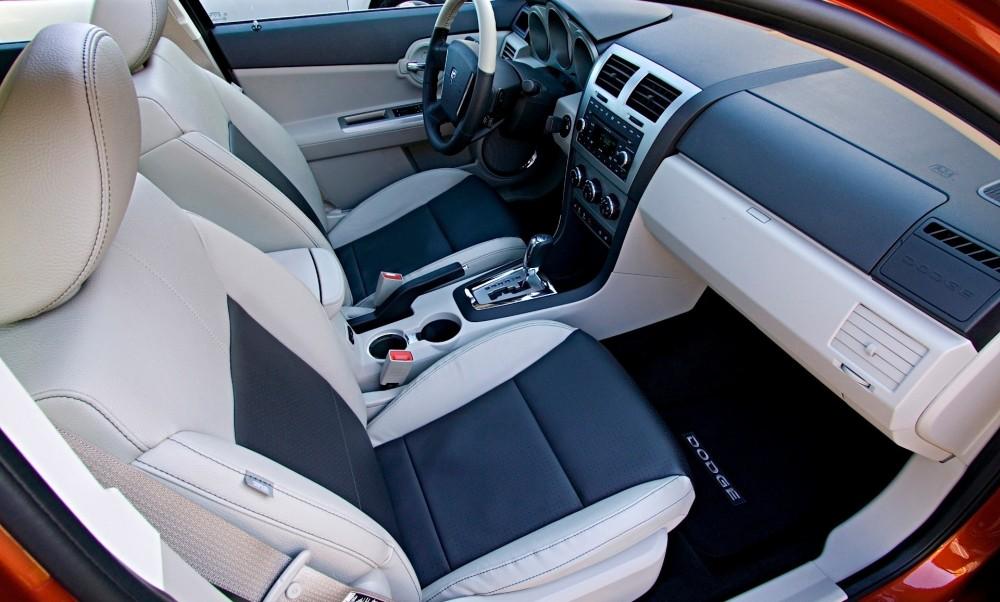 Dodge Avenger Sedana Foto Attēls 9