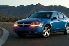 Dodge Avenger sedan photo image 3