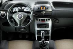 Fiat Punto 3 puerta hatchback foto 1