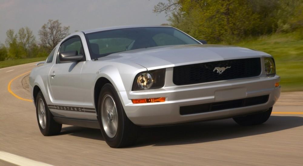 Ford Mustang 2005 foto attēls