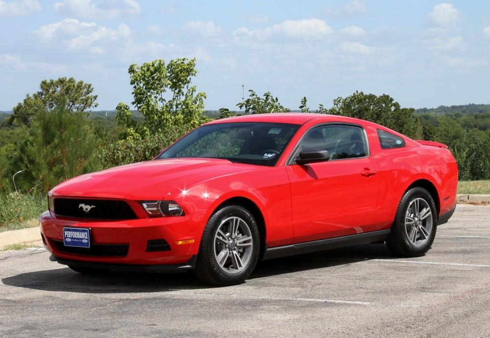 Ford Mustang 2009 foto attēls