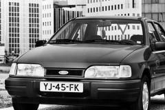 Ford Sierra sedana foto attēls 2