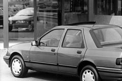 Ford Sierra sedana foto attēls 1