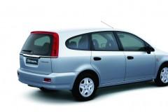 Honda Stream minivena foto attēls 6