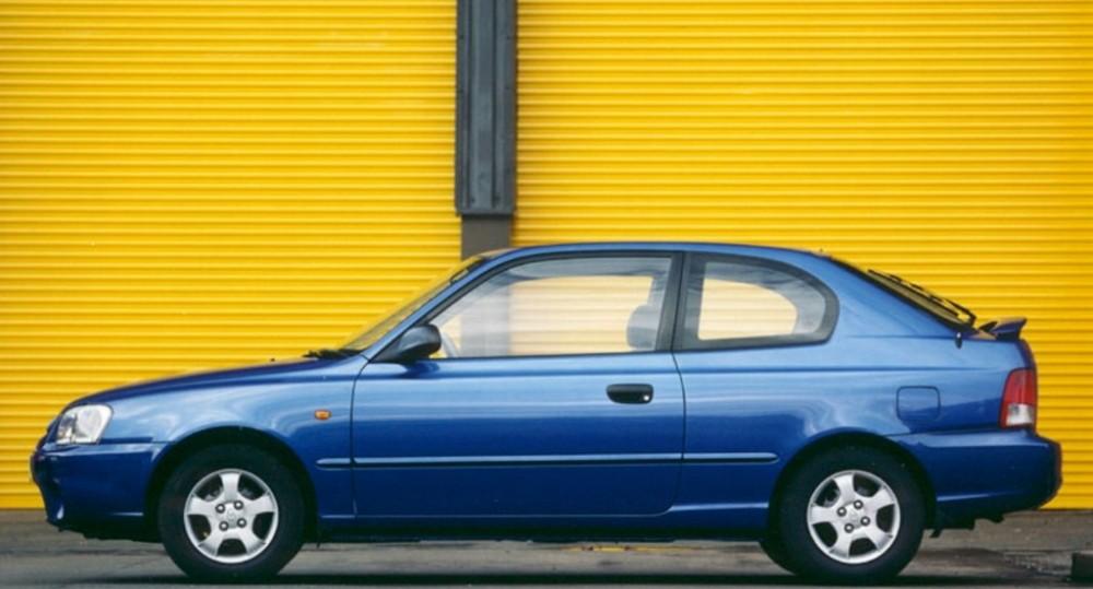 Hyundai Accent 3 Door Hatchback Photo Image 4