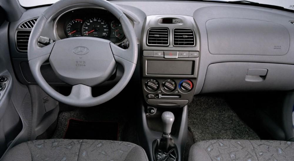 hyundai accent sedan 1999 2003 reviews technical data prices auto abc