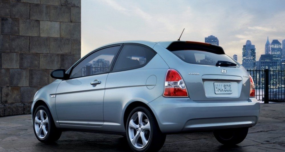 hyundai accent 3 puerta hatchback 2005 2010 opiniones. Black Bedroom Furniture Sets. Home Design Ideas
