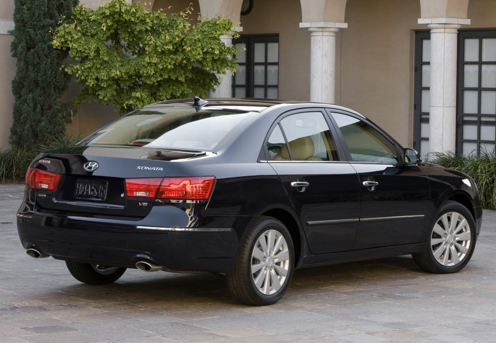 Hyundai Sonata Sedan Photo Image 12