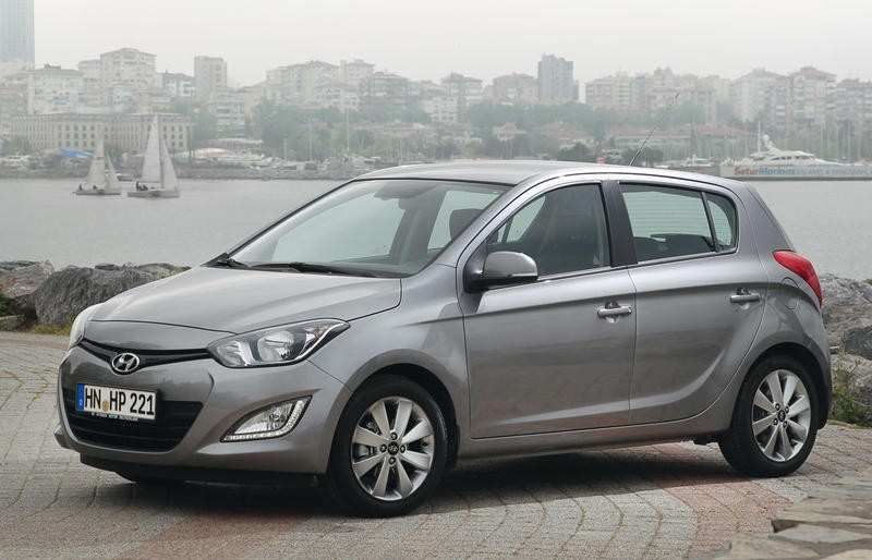 אולטרה מידי Hyundai i20 Hatchback 2012 - 2014 technical data, prices FG-59
