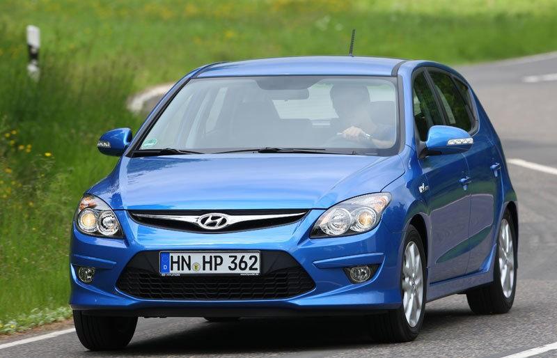 Hyundai i30 2010 foto attēls